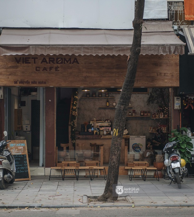 Ảnh: Tình hình quán xá Hà Nội trong ngày đầu thực hiện tạm đóng cửa vũ trường, quán bar và thắt chặt phòng chống dịch Covid-19 - Ảnh 12.