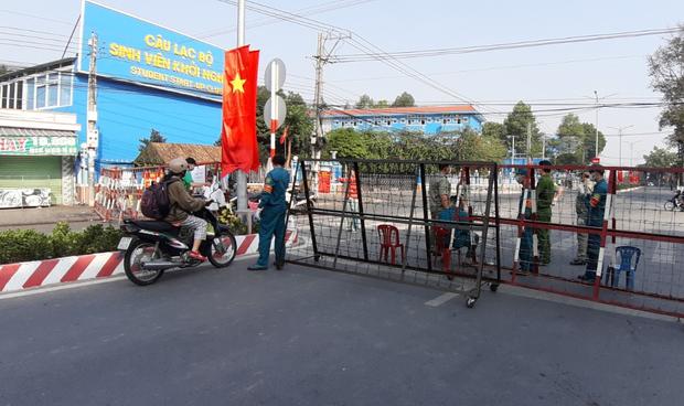 Hành khách ùn ùn trả vé tàu Tết, Công ty đường sắt Sài Gòn không còn tiền trả khách - Ảnh 1.
