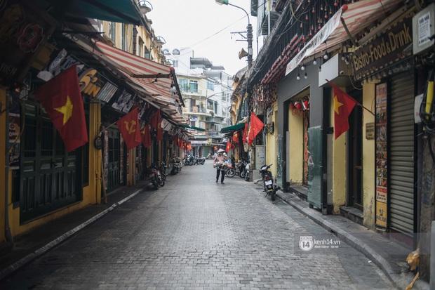 Ảnh: Tình hình quán xá Hà Nội trong ngày đầu thực hiện tạm đóng cửa vũ trường, quán bar và thắt chặt phòng chống dịch Covid-19 - Ảnh 16.