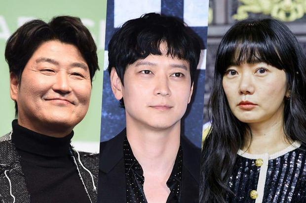 IU đóng dự án khủng của đạo diễn đoạt giải Cannes, hợp tác với Song Kang Ho và Kang Dong Won luôn nha! - Ảnh 4.