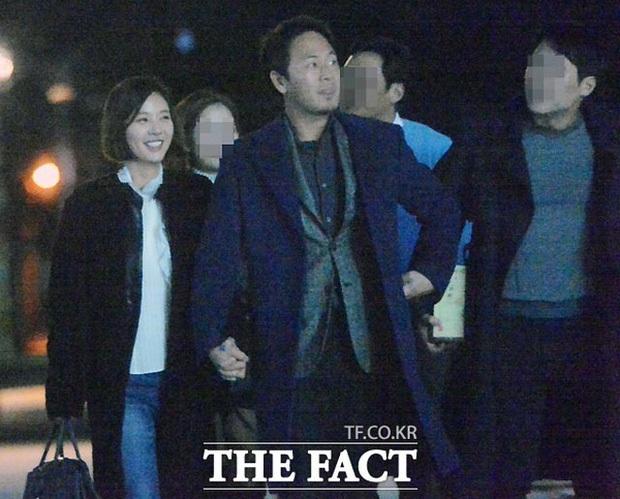 Hwang Jung Eum lần đầu lộ diện sau khi ly hôn chồng đại gia, diện mạo ra sao mà lên cả top Naver? - Ảnh 7.