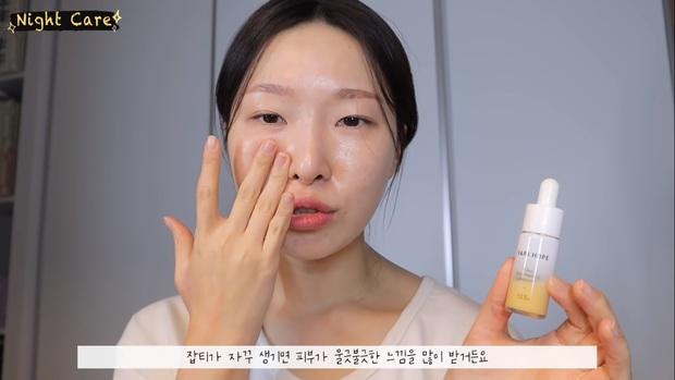"""Makeup artist người Hàn chia sẻ loạt sản phẩm đỉnh cao giúp cô """"cải tạo"""" làn da thâm mụn xấu xí trở nên căng mướt như phủ sương - Ảnh 13."""