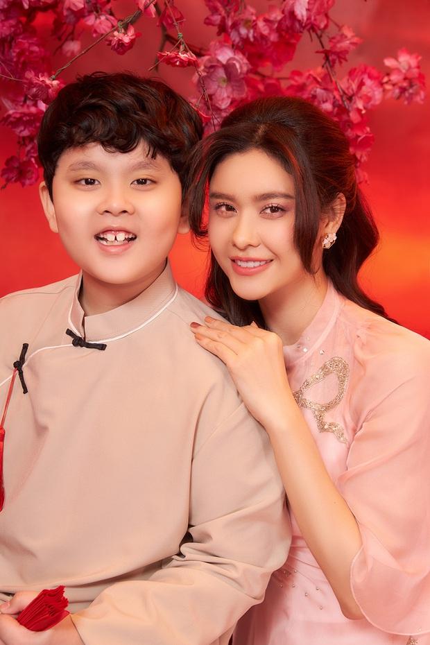 Trương Quỳnh Anh khoe con trai lớn phổng phao trong bộ ảnh đón Xuân, ai dè nhan sắc mẹ bỉm chiếm trọn spotlight - Ảnh 3.