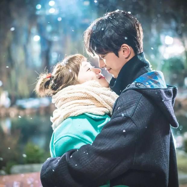 7 phim se duyên cho hội nam thần mỹ nữ Hàn: Son Ye Jin vớ được Hyun Bin cực phẩm nhờ Hạ Cánh Nơi Anh - Ảnh 13.