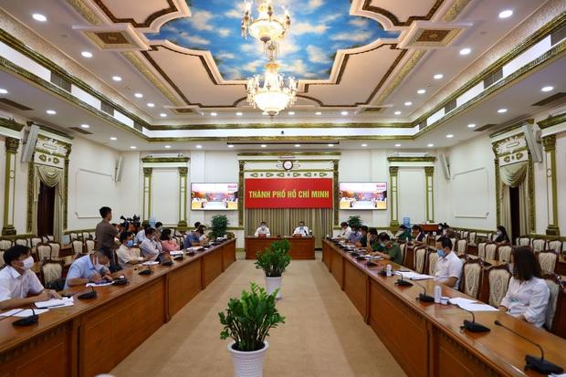 Ổ dịch tại sân bay Tân Sơn Nhất đã lây cho 25 người, toàn bộ nhân viên bốc xếp đều thuộc nhóm nguy cơ cao - Ảnh 1.