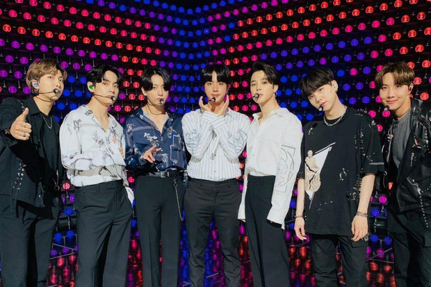 Big Hit và YG bắt tay lập nền tảng streaming toàn cầu cùng 2 công ty Mỹ, fan tha hồ xem concert online của BTS và BLACKPINK - Ảnh 2.