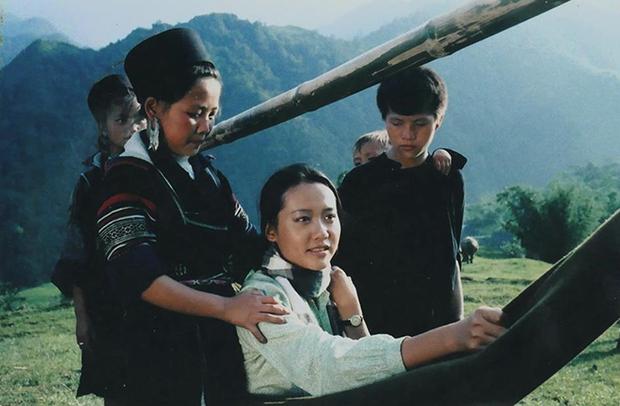 5 phim Việt tri ân những nhà giáo đặc biệt: Thung Lũng Hoang Vắng còn gieo cả điều kỳ diệu ngoài đời thực! - Ảnh 2.