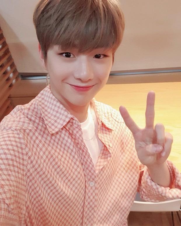 Idol Kpop hợp tuổi xông đất năm Tân Sửu: Bạn muốn cặp ChanBaek (EXO) hay Jennie (BLACKPINK), Jin (BTS) tới nhà mùng 1 Tết đây? - Ảnh 9.