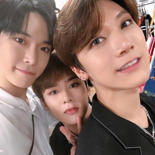 Idol Kpop hợp tuổi xông đất năm Tân Sửu: Bạn muốn cặp ChanBaek (EXO) hay Jennie (BLACKPINK), Jin (BTS) tới nhà mùng 1 Tết đây? - Ảnh 10.