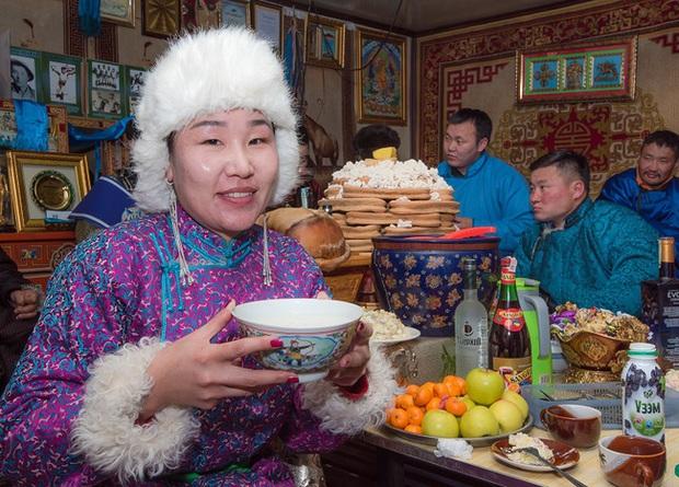 Không phải an khang thịnh vượng hay vạn sự như ý, đây mới là câu người Mông Cổ chúc nhau mỗi dịp Tết đến - Ảnh 4.