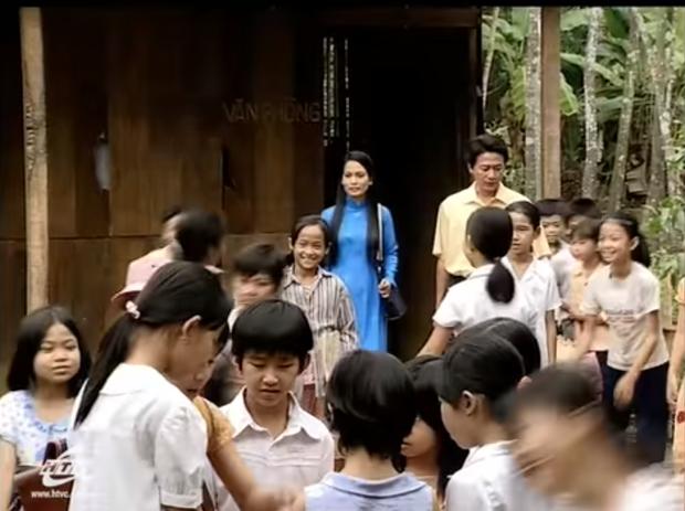 5 phim Việt tri ân những nhà giáo đặc biệt: Thung Lũng Hoang Vắng còn gieo cả điều kỳ diệu ngoài đời thực! - Ảnh 5.