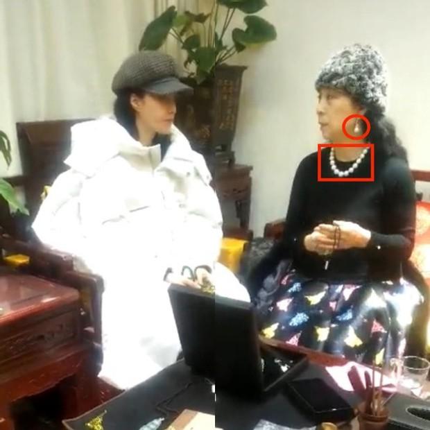 Hình ảnh Phạm Băng Băng cùng mẹ đi xem ngọc quý như đi chợ gây xôn xao mạng xã hội - Ảnh 4.