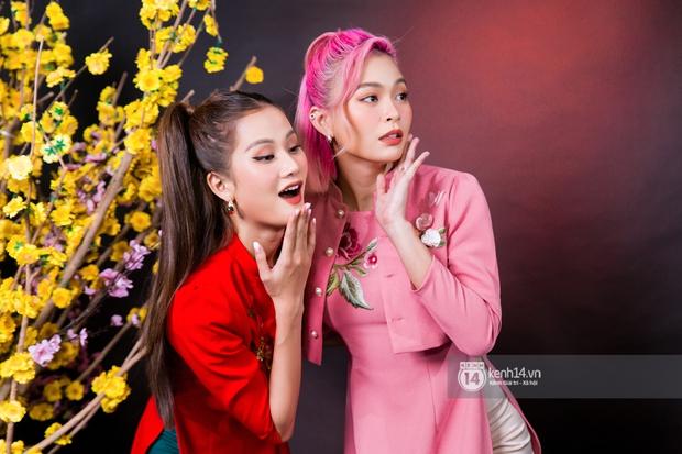 Clip: Tám chuyện TV Show 2020 cùng bộ đôi chiền may mắn Mâu Thủy & Hương Ly! - Ảnh 2.