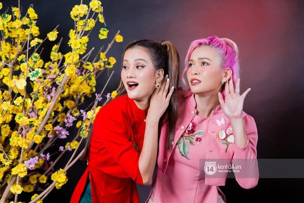 Clip: Tám chuyện TV Show 2020 cùng bộ đôi chiền may mắn Mâu Thủy & Hương Ly! - Ảnh 3.