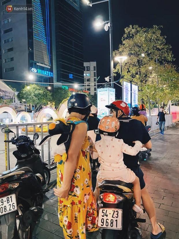 Sài Gòn đêm Giao thừa, người khôn người chẳng đến chốn countdown - Ảnh 6.