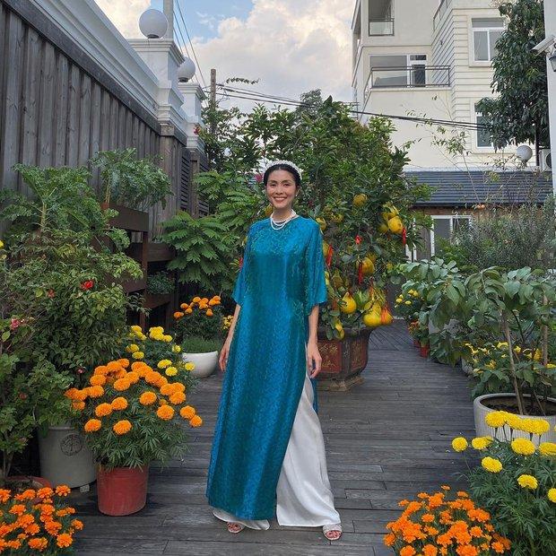 Sao Việt đọ dáng với áo dài: Hà Tăng, Lan Ngọc đội mấn trẻ trung, Quỳnh Anh Shyn diện áo trễ vai gợi cảm - Ảnh 1.