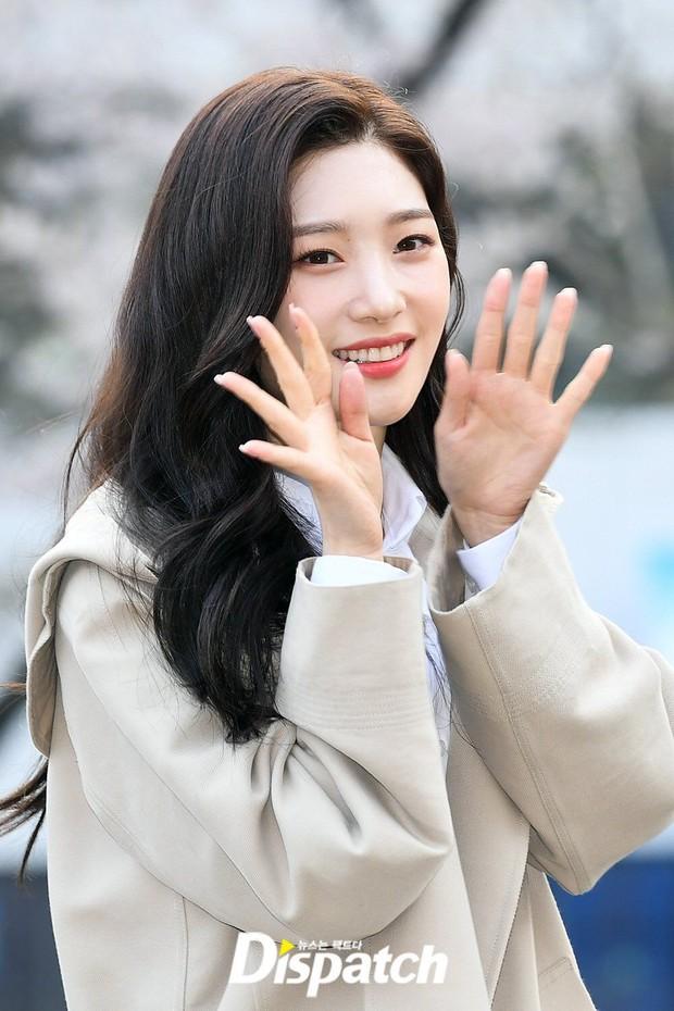 Nếu Kpop có girlgroup tuổi Sửu: Lisa và Rosé ai cũng đỉnh thế này thì phải debut cả hai, Jihyo có còn là trưởng nhóm? - Ảnh 13.