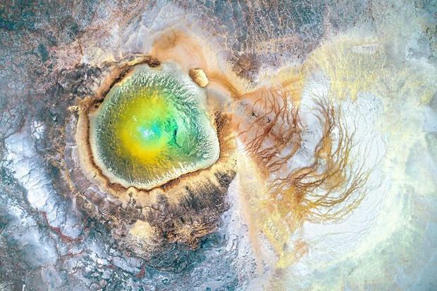 Ngắm loạt tác phẩm nhiếp ảnh đoạt giải ấn tượng bậc nhất năm qua để thấy thế giới quá đỗi kỳ diệu, mãn nhãn đến mức chỉ muốn lướt mãi - Ảnh 21.