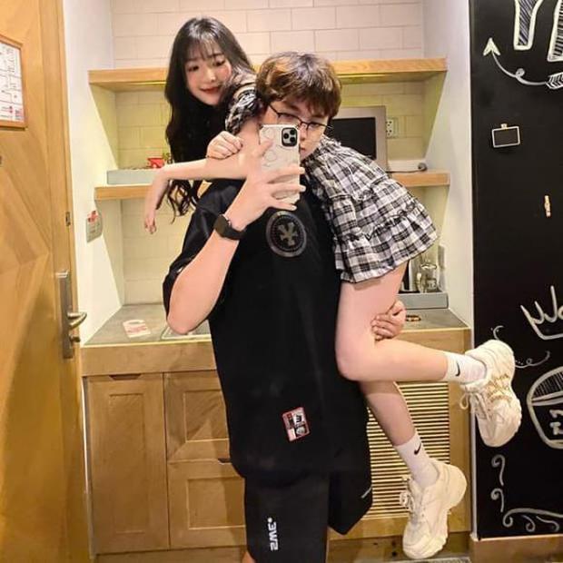 Năm 2020 toàn là cẩu lương của làng eSports Việt: Hàng loạt cặp đôi công khai hẹn hò, đã thế còn công khai thể hiện tình cảm khiến fan không khỏi ghen tị - Ảnh 6.