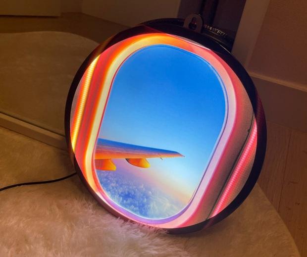 """Đây là """"cửa sổ máy bay ảo"""" chuyên dành cho những ai đam mê du lịch hoặc sống ảo tại nhà trong mùa dịch - Ảnh 6."""