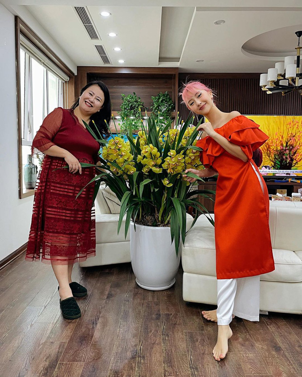 Sao Việt đọ dáng với áo dài: Hà Tăng, Lan Ngọc đội mấn trẻ trung, Quỳnh Anh Shyn diện áo trễ vai gợi cảm - Ảnh 3.