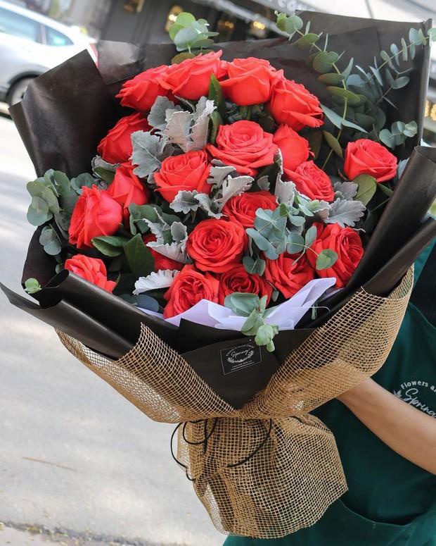 Nhiều tiệm hoa tại Hà Nội - Sài Gòn vẫn mở xuyên Tết để các anh đặt tặng nửa kia dịp Valentine - Ảnh 17.