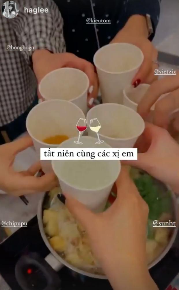 Hội gái xinh Instagram rần rần khoe ảnh ăn tất niên, đáng chú ý nhất là động thái của Chi Pu và Quỳnh Anh Shyn - Ảnh 2.