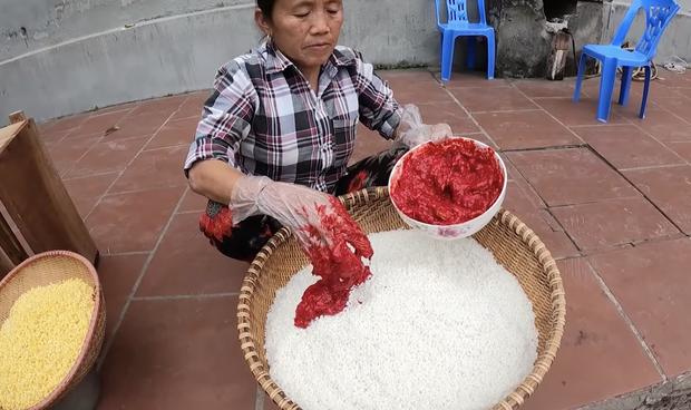 Bà Tân làm bánh chưng tốn 10kg nếp chốt hạ 2020 đầy drama, dân mạng chú ý chi tiết cảnh cáo gãy răng mất cái Tết - Ảnh 3.