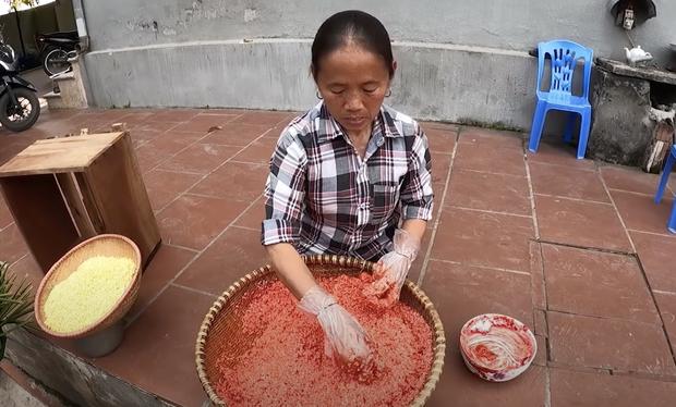 Bà Tân làm bánh chưng tốn 10kg nếp chốt hạ 2020 đầy drama, dân mạng chú ý chi tiết cảnh cáo gãy răng mất cái Tết - Ảnh 5.