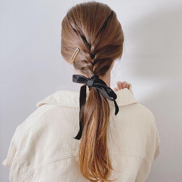 Chẳng kịp làm tóc chơi Tết thì bạn vẫn có thể F5 diện mạo với 3 cách tạo kiểu đơn giản mà xinh nức nở này - Ảnh 1.