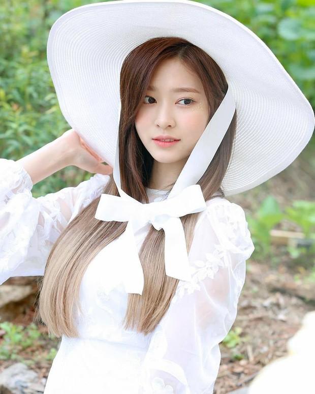 Tranh cãi BXH nam thần nữ thần đẹp nhất Kpop do chính idol chọn ra: V (BTS) bị nam thần True Beauty át luôn, cô gái đè bẹp Irene (Red Velvet) là ai? - Ảnh 6.