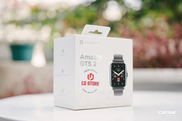 Chiếc đồng hồ này giống Apple Watch nhưng giá rẻ chỉ bằng 1/3 - Ảnh 1.