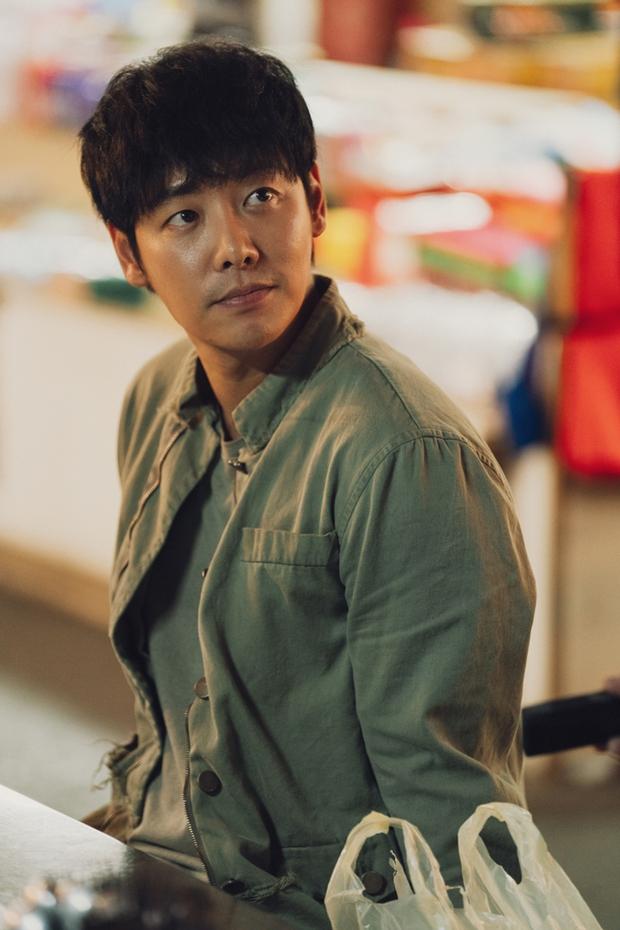 Hàn Quốc chốt đơn 11 gương mặt đại diện cho điện ảnh nước nhà: Từ nữ thần trẻ đến chú đại làng phim đều có cả! - Ảnh 4.