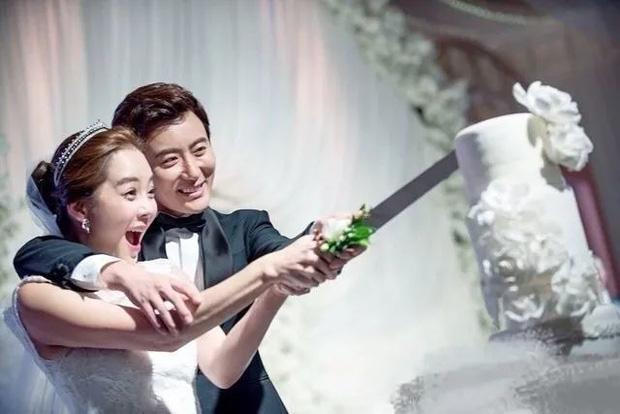 Vì chi tiết đáng ngờ trên tay, rộ tin đồn Chae Rim đã có tình mới chỉ sau 2 tháng tuyên bố ly hôn mỹ nam Cbiz - Ảnh 5.