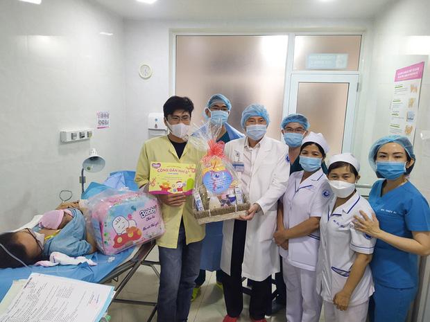 Đúng giao thừa, 5 em bé cùng cất tiếng khóc chào đời tại TP.HCM - Ảnh 7.