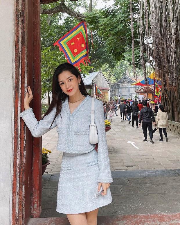 Sao Việt mặc gì đi lễ chùa đầu năm: Lệ Quyên, Angela Phương Trinh nền nã với áo dài, Sun Ht và Chi Pu lại gây tranh cãi - Ảnh 10.