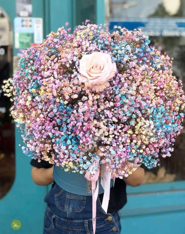 Nhiều tiệm hoa tại Hà Nội - Sài Gòn vẫn mở xuyên Tết để các anh đặt tặng nửa kia dịp Valentine - Ảnh 2.