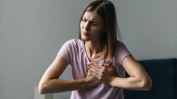 4 dấu hiệu bất thường xảy ra trong giấc ngủ ngầm cảnh báo cục máu đông đang hình thành - Ảnh 2.