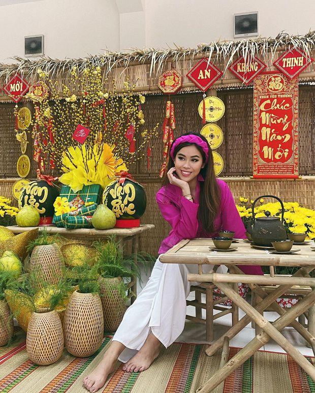 Cả năm đắp hàng hiệu nhưng Tết là Tiên Nguyễn lại diện đồ truyền thống, tiện khoe luôn background biệt thự to đùng vật vã - Ảnh 2.