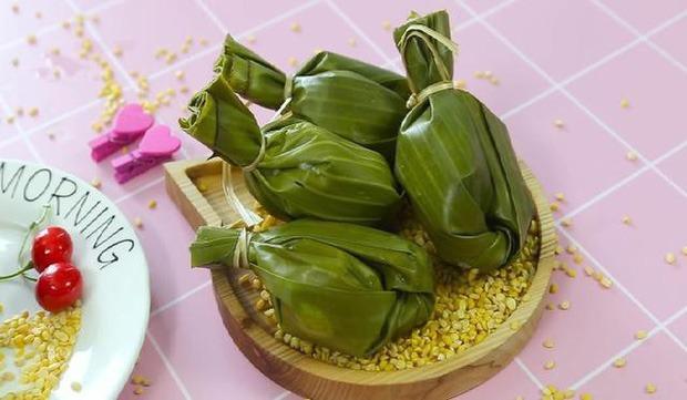 Thấy cô gái nấu món gì lạ trong nồi, dân mạng hỏi ra mới biết đây là một trong những món bánh Tết có nhiều tên gọi nhất Việt Nam - Ảnh 3.