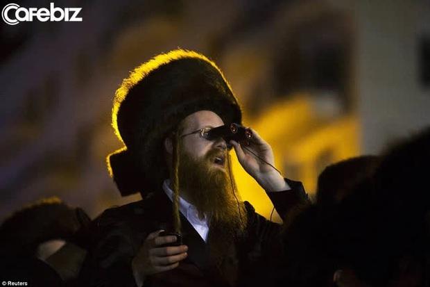 Năm mới, học ngay 10 định luật LÀM GIÀU của người Do Thái: 3.000 năm vẫn còn nguyên giá trị - Ảnh 1.