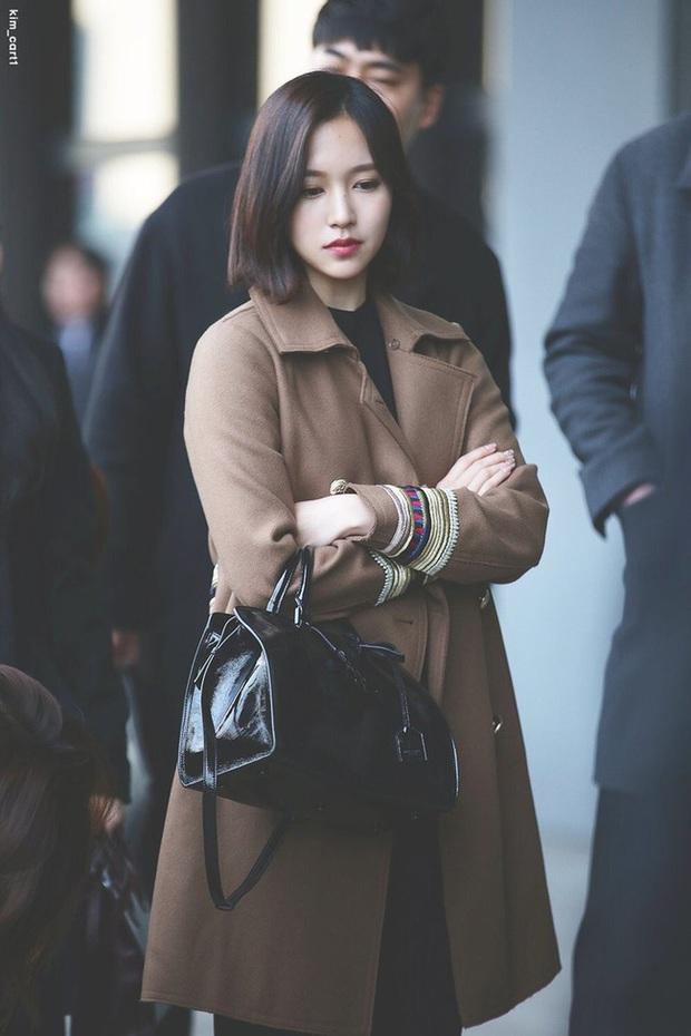 Quả đúng là tiểu thư gia thế khủng, Mina (TWICE) mặc toàn đồ đơn giản cũng tỏa khí chất lá ngọc cành vàng nhìn mà mê  - Ảnh 5.