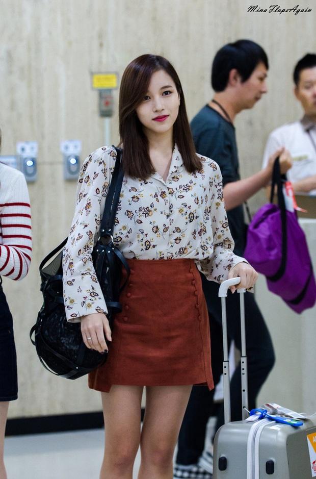 Quả đúng là tiểu thư gia thế khủng, Mina (TWICE) mặc toàn đồ đơn giản cũng tỏa khí chất lá ngọc cành vàng nhìn mà mê  - Ảnh 7.