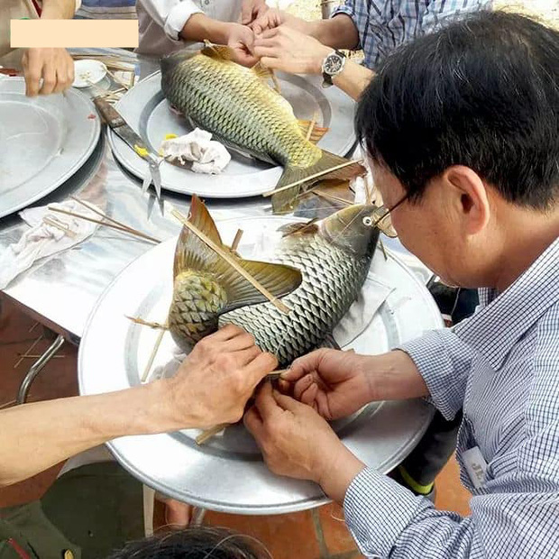 Muốn làm dâu ở quê sếp Tùng phải biết làm mâm cỗ này: 2 tầng 8 món 14 đĩa, đặc biệt là cá chép nằm võng cầu kỳ đến khó tin! - Ảnh 3.