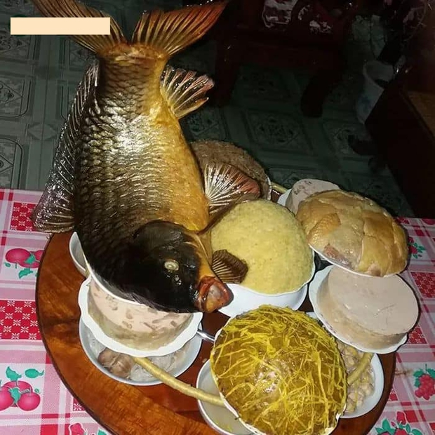 Muốn làm dâu ở quê sếp Tùng phải biết làm mâm cỗ này: 2 tầng 8 món 14 đĩa, đặc biệt là cá chép nằm võng cầu kỳ đến khó tin! - Ảnh 2.