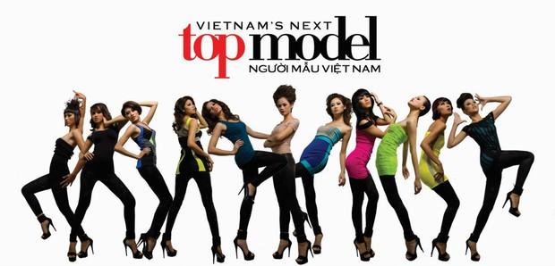 Dàn Vietnams Next Top Model mùa đầu hội ngộ, hé lộ hình ảnh cực giản dị của Cường Đô La bên bà xã Đàm Thu Trang - Ảnh 1.