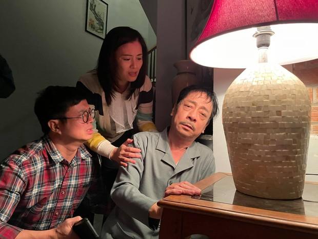 Cuộc đời NSND Hoàng Dũng: Cựu giám đốc Nhà hát Kịch với gia tài điện ảnh khuynh đảo Vbiz, về nhà lại thành ông bố giản dị hy sinh vì vợ con - Ảnh 4.