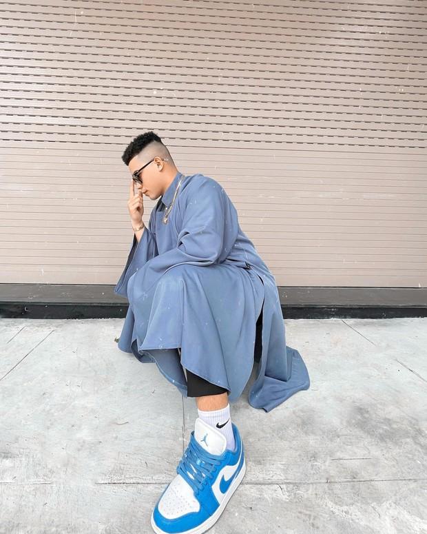 Tết Tân Sửu, hội con trai rộn ràng diện áo dài du xuân, vừa lưu giữ nét truyền thống mà trông vẫn chất lừ - Ảnh 10.