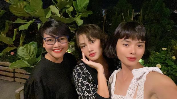 Dàn Vietnams Next Top Model mùa đầu hội ngộ, hé lộ hình ảnh cực giản dị của Cường Đô La bên bà xã Đàm Thu Trang - Ảnh 2.