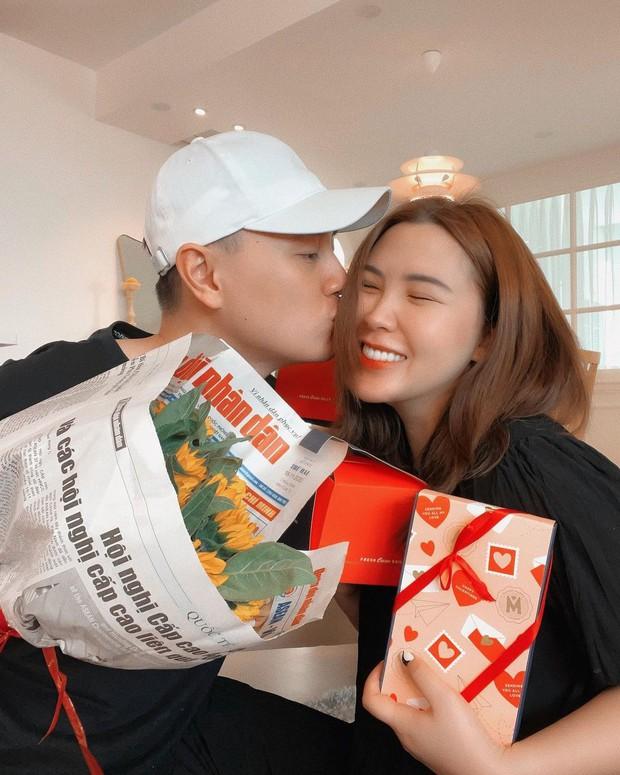 Hội FA đừng online vì loạt hot couple đang mở hội khoe quà Valentine: Người nửa trăm triệu, người cả rổ đồ hiệu! - Ảnh 7.